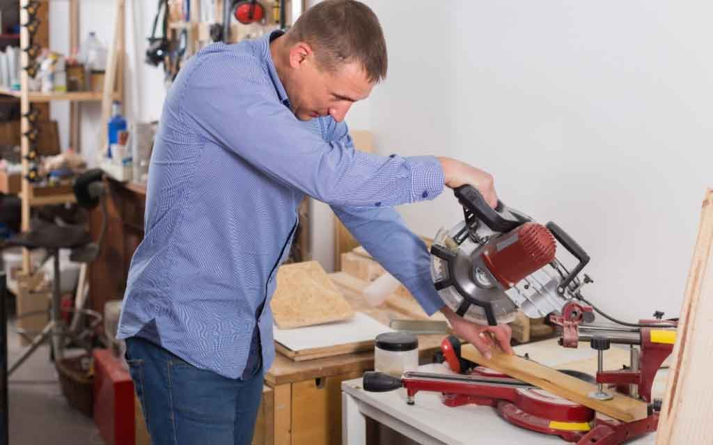 how to cut 135 degree angle on a miter saw