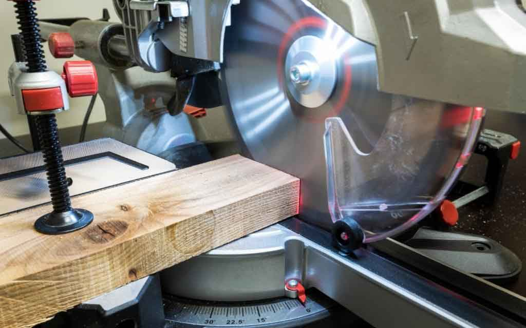 How to cut a 45 degree angle without a miter saw